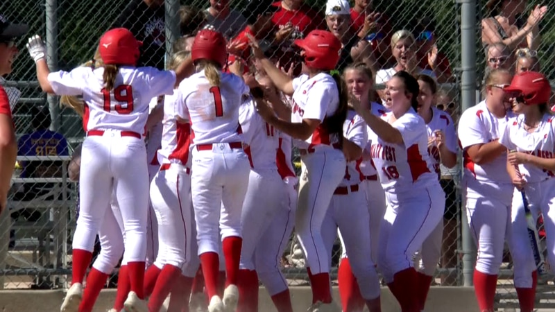 The Scarlets advance to the Section 2AAA championship game.