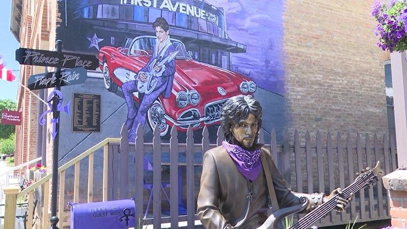 Prince statue in Henderson
