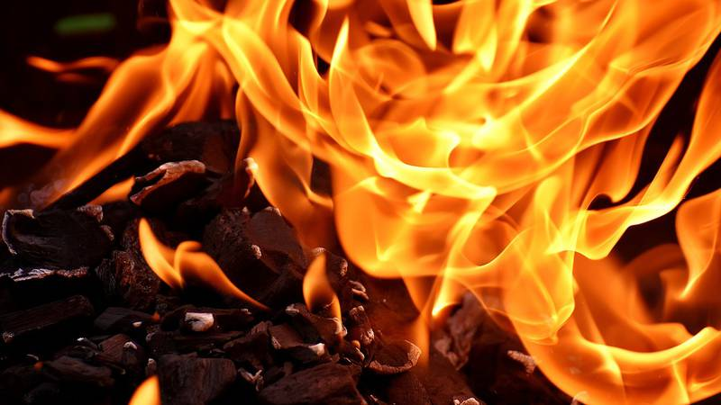 Mankato authorities investigate the cause of a fire early Sunday morning.