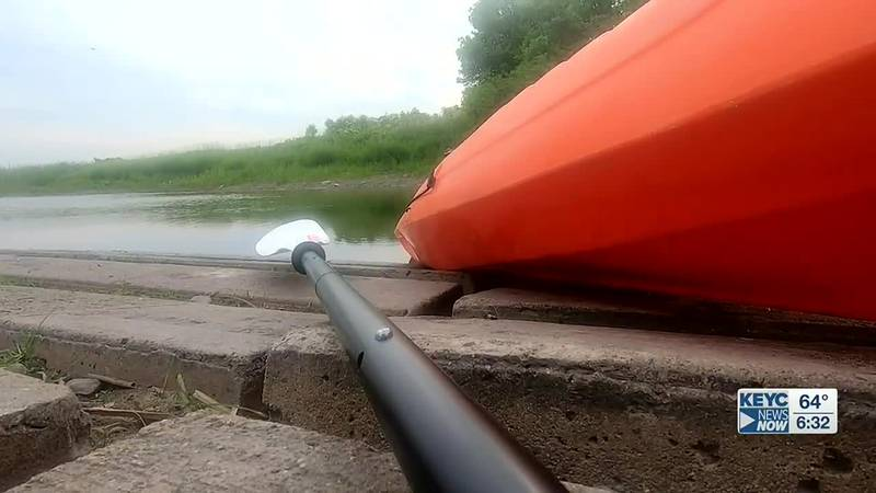 Lisa and Kelsey from KEYC News Now loaded up their kayak and headed to Nicollet to enjoy all...